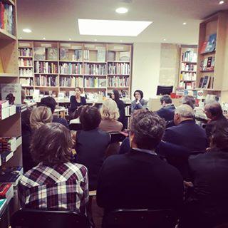 Une audience captive par Adle Van Reeth, Marylin Maeso et ric Fiat  la librairie Les Traverses...