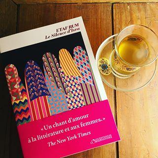 RENTRE DHIVER 2020 - Le Silence dIsra, dEtaf Rum.  En librairie le 8 janvier. Debout devant...