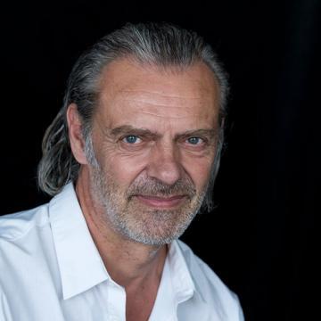 Pierre-Antoine  Delhommais